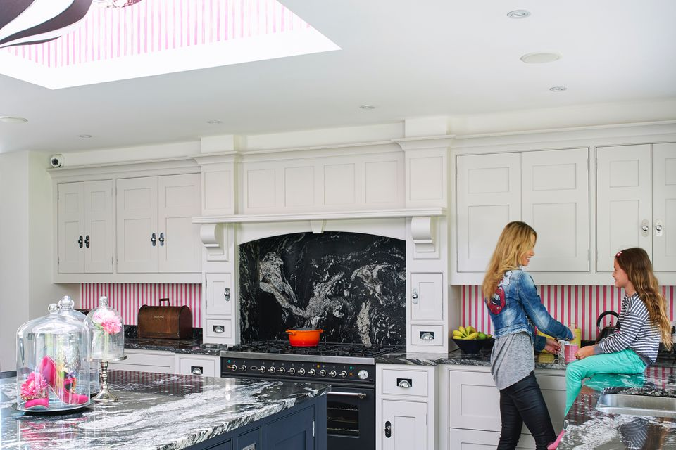 Kitchen-ideas-pink-white-interior-design